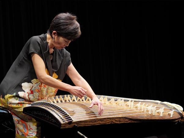 二十五絃箏の独奏
